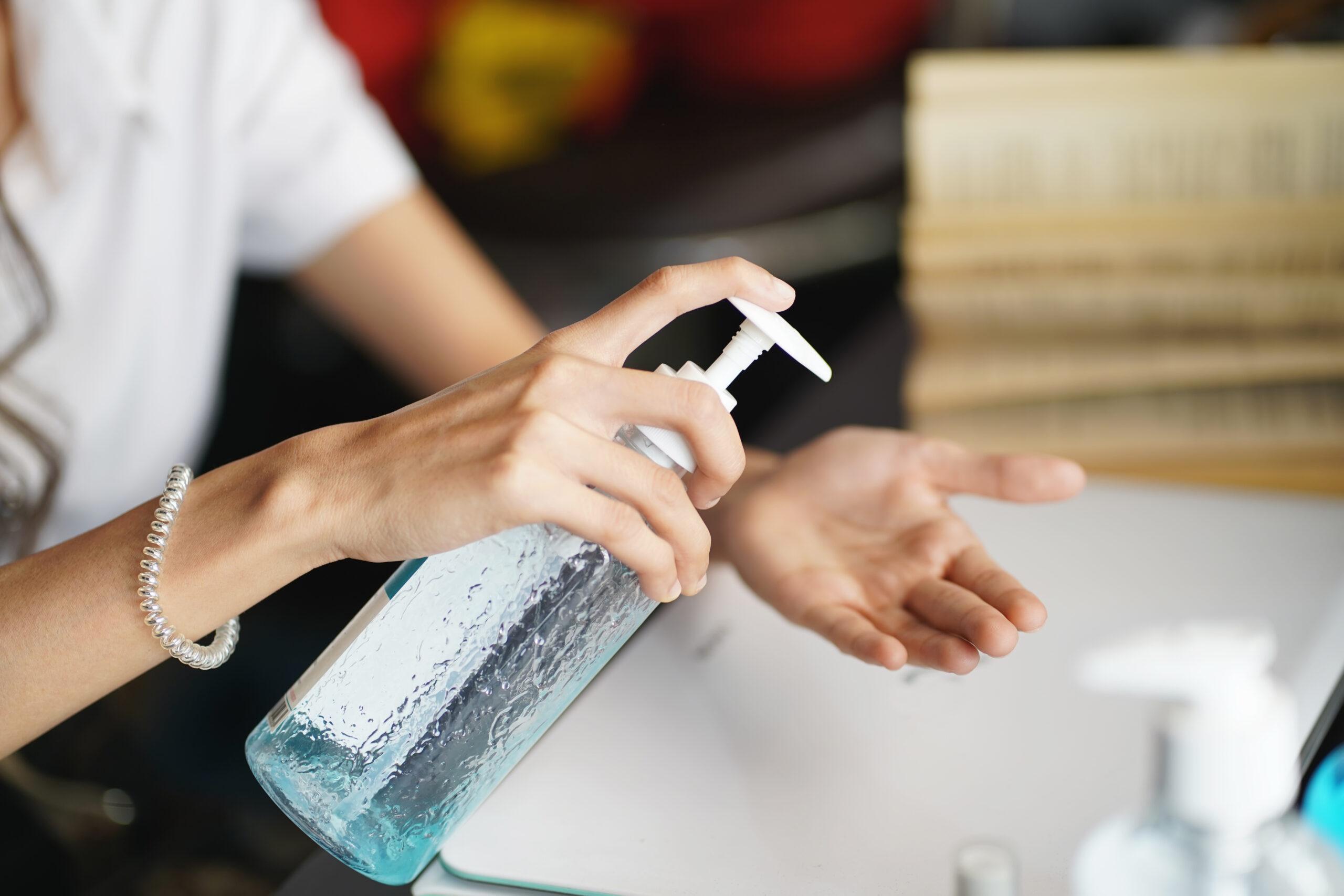 阅读有关文章的更多信息 Is Hand Sanitizer Bad for You?